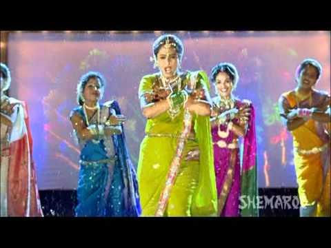 Koni Karal Ka Majhi Sutka - Surekha Kudchi Perform Sexy Marathi Lavani - Chal Gammat Karu video