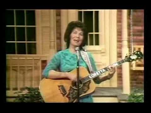 Loretta Lynn - Wine Women And Song