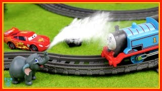 Trains for children Thomas and Friends Stories Thomas Mcqueen & the lion guard surprise toys train