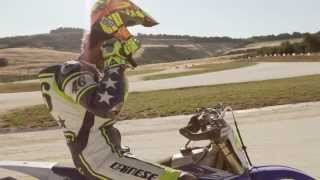 Valentino Rossi vs Guy Martin Race !