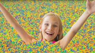 Amelia, Avelina and Akim celebration with 1 million Orbeez!