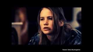Historia deta & Katniss en Sinsajo {10 minutos espectaculares :)}