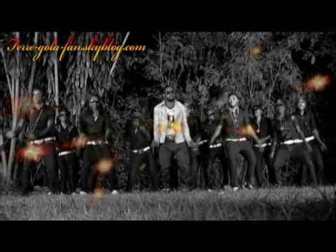 FERRE GOLA Clip enfin disponible EN DVD QUI EST DERRIERE TOI rdv sur http://ferre-gola-fan.skyblog.com.