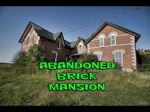 Exploring an Abandoned Country Brick Mansion