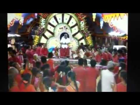 Universal Supreme Mother Adhiparasakthi - Amma Showering Her Blessings On Her Devotees video