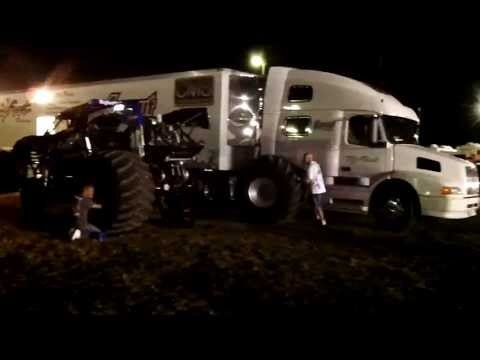 "Bigfoot monster truck ""tire down""@Lynden,Wa."