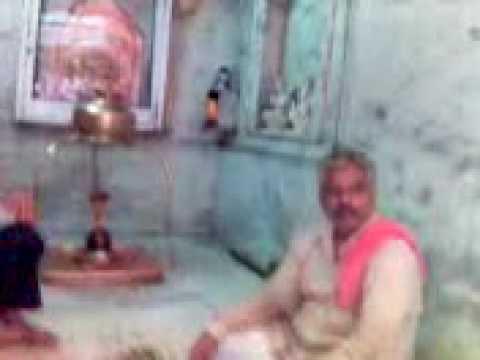 Phoolon Mein Saj Rahein Hain Vrinda Vipin Vihari video