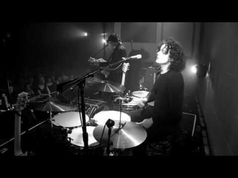 The Dead Weather - Blue Blood Blues (Live from Third Man Records)