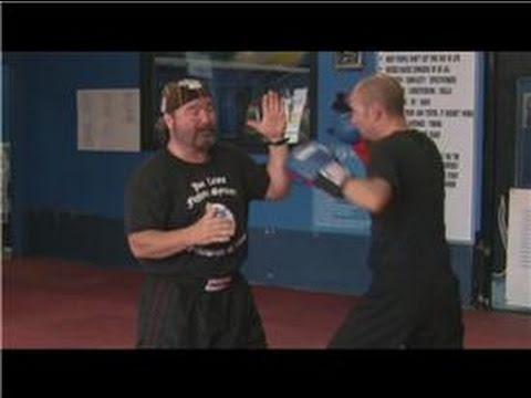 Kickboxing : How to Throw a Hook Punch: Beginning Kickboxing Techniques Image 1