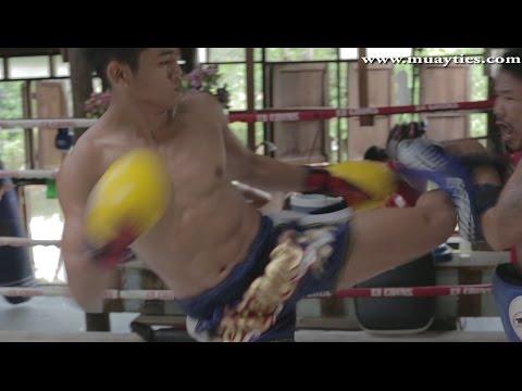 Muay Thai Training - Sangmanee Sor. Tienpo Training At 13 Coins Gym, Bangkok, 24th March 2015