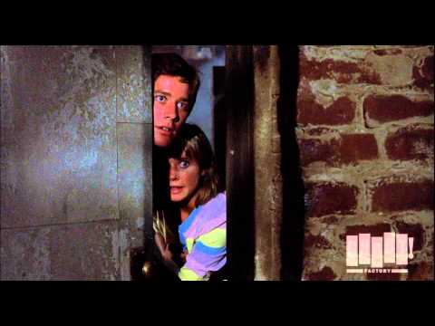 Mother Gets Knife Happy - Psycho II (1983)