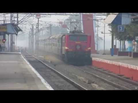 Red Devil Ex Wap-6 Hauling Gurumukhi Superfast Express Cruising Through Khana Junction video