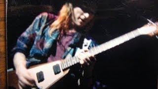 Shi Shang Zhi You Mama Hao: FANTASTIC American Guitar Player!!!