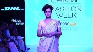 Full Video - Dia Mirza Walks At Lakme Fashion Week 2015 Day 2