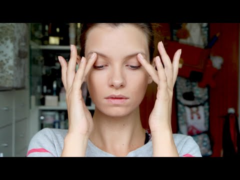 Beauty Reviews: Dior Star Foundation, Smashbox Primer, Pixi Brow Gel