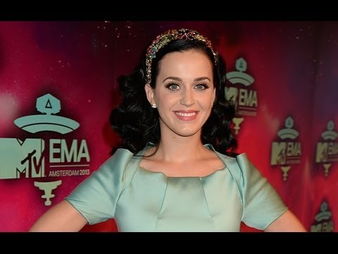 Is Katy Perry Engaged? The Unconditionally Singer Wears Diamond Ring on the MTV EMAs Red Carpet