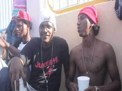 Brito Free en manzanillo improvisa en el rodaje del video (yo soy rap) la ciencia prod.