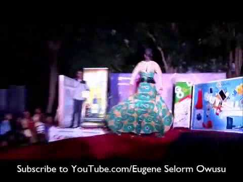 Legon Girl Shows Panty On Stage During Fashion Show video