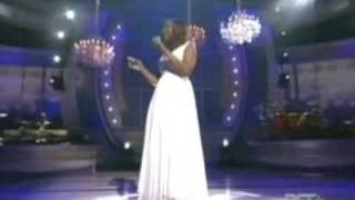 Yolanda Adams - Hold On - LIVE