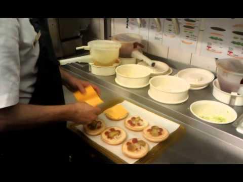Как готовят в макдональдсе - видео