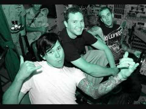 Blink182 live (Zepp, Tokyo 2004) Story Of A Lonely Guy Video