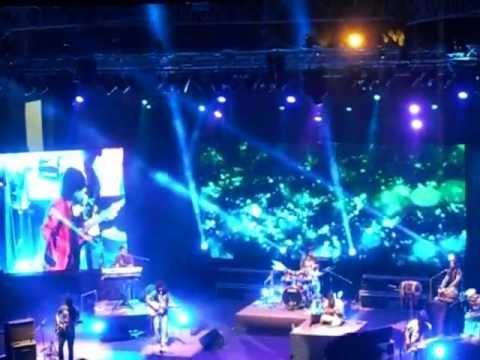 Main Toh Tere Pyaar Mein Deewana Ho Gaya......kailash Kher Live In Muscat '12 video