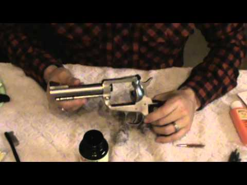 How to clean and oil / lubricate a single action revolver