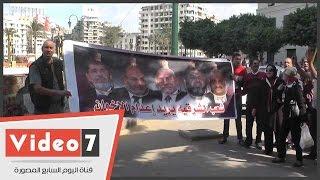 المتظاهرون بميدان التحرير: اطلب يا سيسى تلاقى 90 مليون فدائى