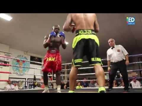 Nieky Holzken behoudt zijn Beneluxtitel boksen