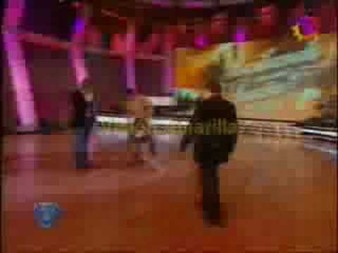 El Desmayo de Karina Jelinek en Bailando 08...xO