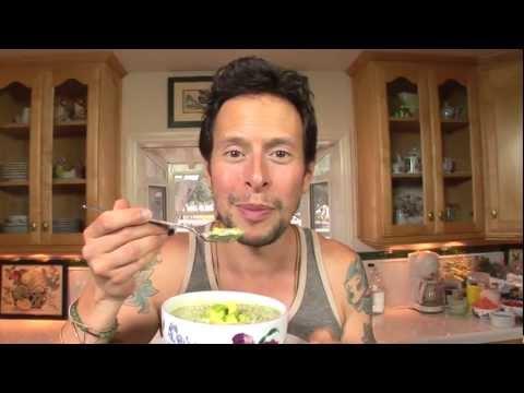 Raw Vegan Recipe: Cream of Broccoli Soup