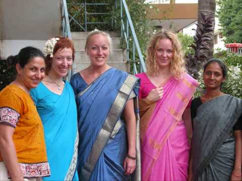 Can An American Girl Wear A Sari? video