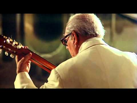 Segovia Plays Sonatina (Torroba)