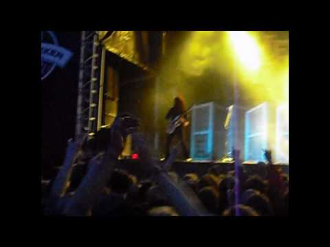 Chris Broderick of Megadeth falling onstage after the Tornado of Souls solo