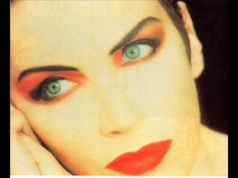 Eurythmics - Thin Line Between Love And Hate