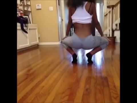 Голые девушки танцуют попами15