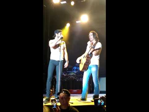 Jake Owen Vs Thomas Rhett Rap Battle Pueblo, Co video