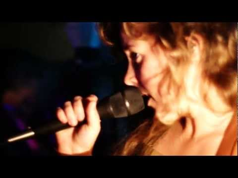 "Purity Ring ""Lofitcries"" Live at Molly's Lounge - Santa Fe, NM"
