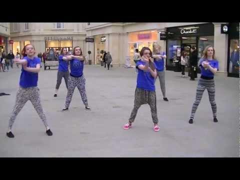 Maisie Williams Dance Gif Hqdefault.jpg