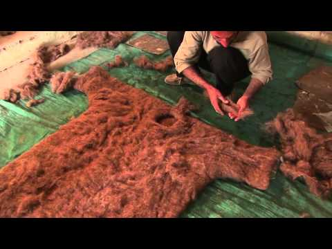 Bita Ghezelayagh feltmaking in Iran (full version)