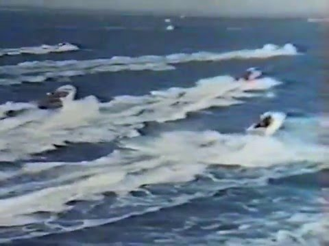 1965 Daily Express International Offshore Powerboat Race   Cowes Torquay Cowes 2