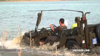 Viet Jeep : Mutt M151 A2 Diving