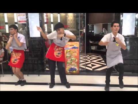 タイスキレストランMKの店員さんノリノリMKダンスが話題に!