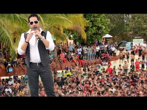 Chinta Ta Ta Chita Chita | Mika Singh's Live Performance | Essel World video