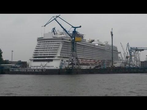 NORWEGIAN ESCAPE in dry dock Elbe 17 Blohm + Voss