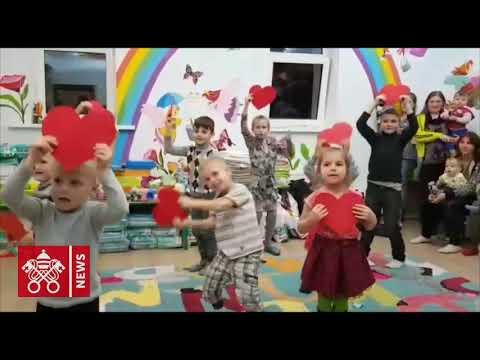 """Papa per l'Ucraina: il canto dei bambini di casa """"Nadiia"""""""