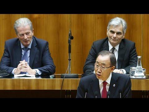 """Migranti: Ban Ki Moon a Vienna, """"allarmato da xenofobia in crescita"""""""