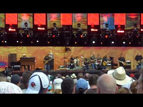 Johnny Winter, Warren Haynes, Derek Trucks, D Hidalgo and C Rojas - Clapton's Crossroads 6/26/2010
