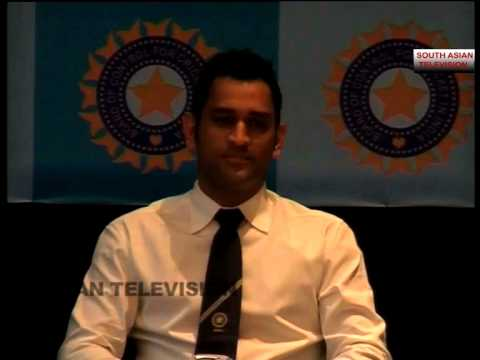 MS DHONI AVOIDS QUESTIONS ON SPOT FIXING IN IPL