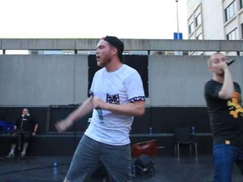 Timi Lexikon - Huasteleppa Levveemmin (live At Ravintola Hiili, Kuopio 1.6.2013) video